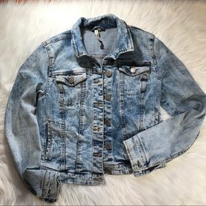 Romeo and Juliet Couture Jean Jacket sz Small